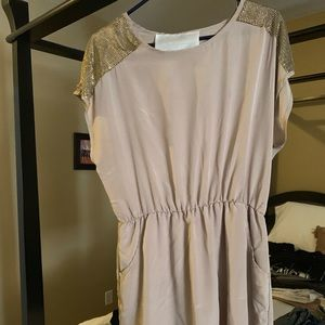 Tan dress with pockets! Gold flair on shoulders
